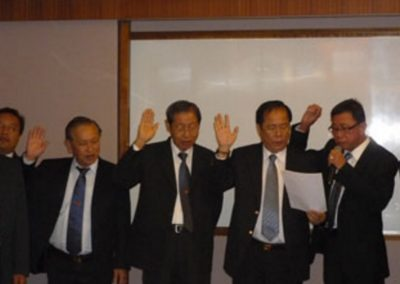 Newly Assigned Committee Members Pledging to Serve the Organisation <br> 各委员宣誓就职