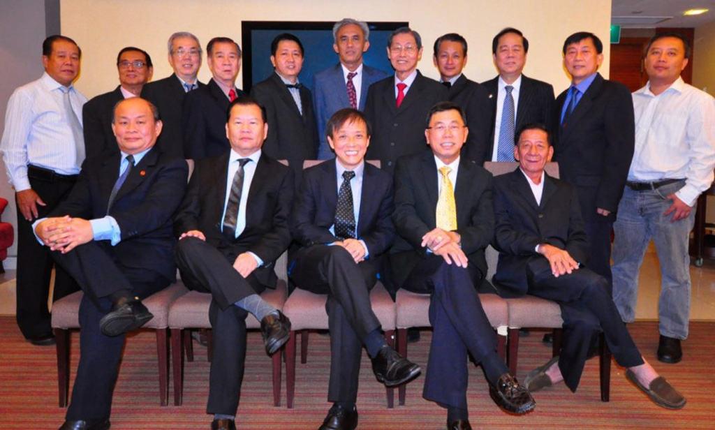 17th Executive Committee (2013 – 2014) 第17届董事会(2013 – 2014)就职典礼